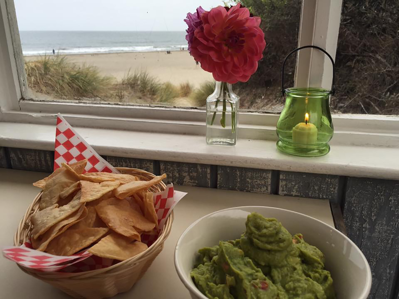 siren canteen tortilla chips guacamole